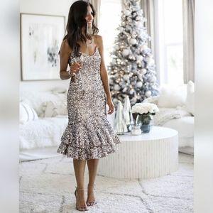 New ADRIANNA PAPELL Shiny Trumpet Holiday Dress